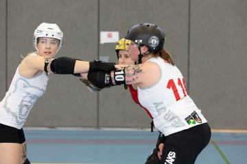 Thorsten-Lasrich-Zombie-Rollergirlz-vs-Bear-City-Roller-Derby-15