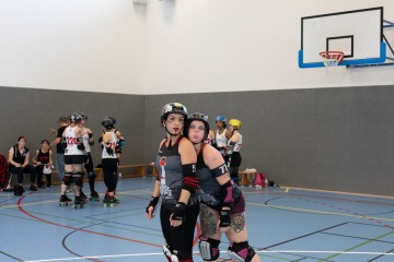 Thorsten-Lasrich-Zombie-Rollergirlz-vs-Bear-City-Roller-Derby-28