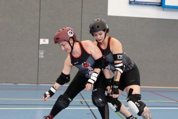 Thorsten-Lasrich-Zombie-Rollergirlz-vs-Bear-City-Roller-Derby-32