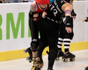 Thorsten-Lasrich-RuhrPott-Roller-Girls-vs-Harbor-Girls-Hamburg-17