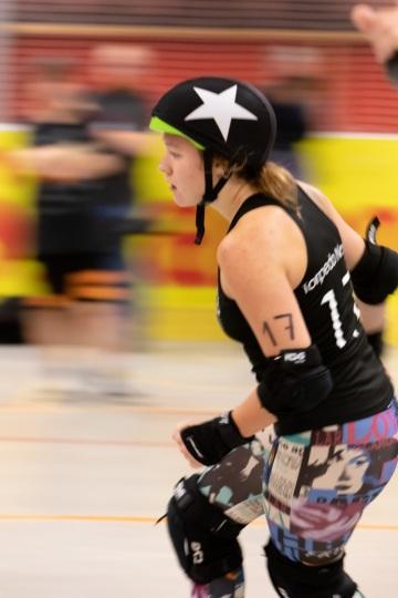 Thorsten-Lasrich-RuhrPott-Roller-Girls-vs-Blockforest-Roller-Derby-116
