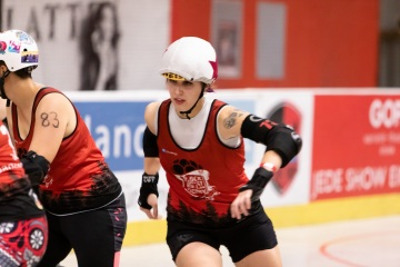Thorsten-Lasrich-RuhrPott-Roller-Girls-vs-Blockforest-Roller-Derby-134