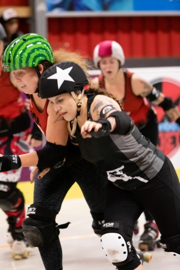 Thorsten-Lasrich-RuhrPott-Roller-Girls-vs-Blockforest-Roller-Derby-22