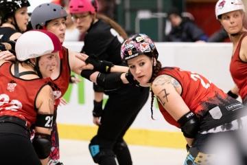 Thorsten-Lasrich-RuhrPott-Roller-Girls-vs-Blockforest-Roller-Derby-26