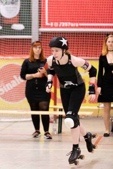 Thorsten-Lasrich-RuhrPott-Roller-Girls-vs-Blockforest-Roller-Derby-43
