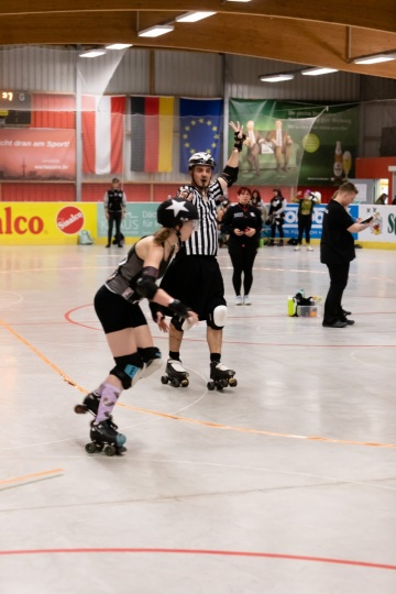 Thorsten-Lasrich-RuhrPott-Roller-Girls-vs-Blockforest-Roller-Derby-62