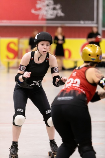 Thorsten-Lasrich-RuhrPott-Roller-Girls-vs-Blockforest-Roller-Derby-8