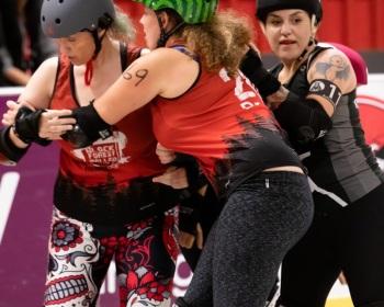 Thorsten-Lasrich-RuhrPott-Roller-Girls-vs-Blockforest-Roller-Derby-21