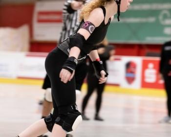 Thorsten-Lasrich-RuhrPott-Roller-Girls-vs-Blockforest-Roller-Derby-9