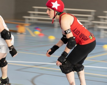 Thorsten-Lasrich-Zombie-Rollergirlz-vs-Bear-City-Roller-Derby-18