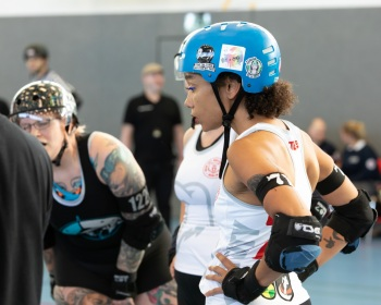 Thorsten-Lasrich-Zombie-Rollergirlz-vs-Bear-City-Roller-Derby-22