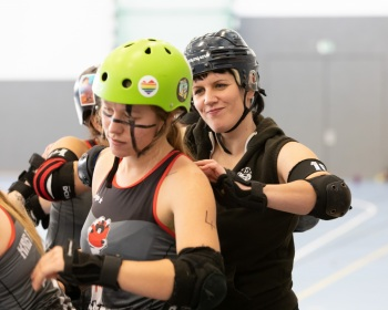 Thorsten-Lasrich-Zombie-Rollergirlz-vs-Bear-City-Roller-Derby-24