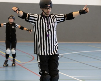Thorsten-Lasrich-Zombie-Rollergirlz-vs-Bear-City-Roller-Derby-9