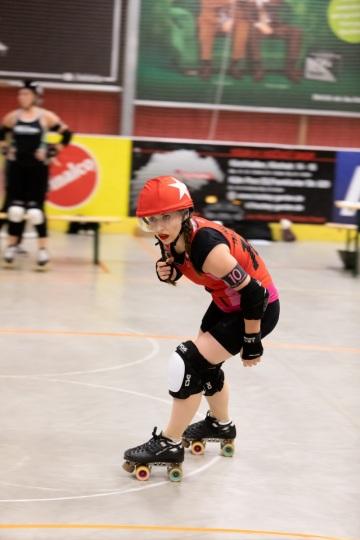 Thorsten-Lasrich-RuhrPott-Rollergirls-vs-Riot-Rollers-Darmstadt-38