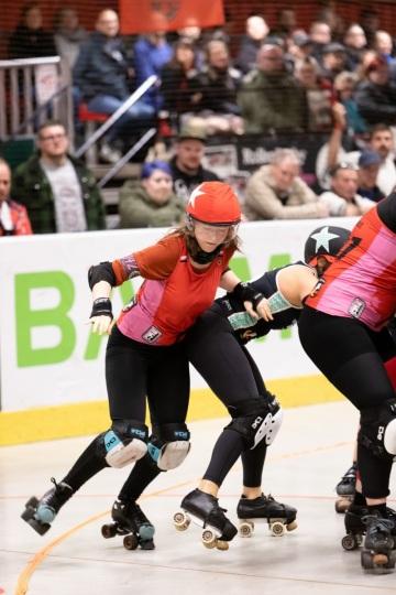 Thorsten-Lasrich-RuhrPott-Rollergirls-vs-Riot-Rollers-Darmstadt-68