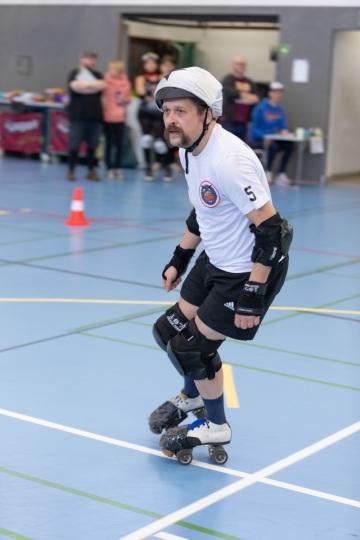 Thorsten-Lasrich-Battlecats-Rollergirls-Zombie-Rollergirlz-vs-Rollerderby-Erfurt-16