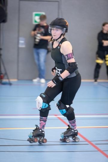 Thorsten-Lasrich-Battlecats-Rollergirls-Zombie-Rollergirlz-vs-Rollerderby-Erfurt-20