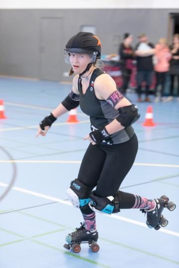 Thorsten-Lasrich-Battlecats-Rollergirls-Zombie-Rollergirlz-vs-Rollerderby-Erfurt-21