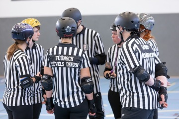 Thorsten-Lasrich-Battlecats-Rollergirls-Zombie-Rollergirlz-vs-Rollerderby-Erfurt-31
