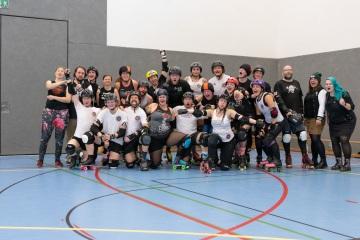 Thorsten-Lasrich-Battlecats-Rollergirls-Zombie-Rollergirlz-vs-Rollerderby-Erfurt-57