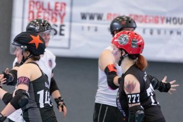Thorsten-Lasrich-Battlecats-Rollergirls-Zombie-Rollergirlz-vs-Rollerderby-Erfurt-8