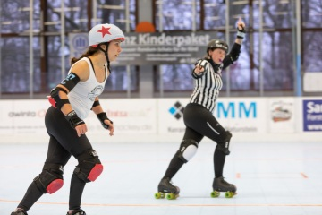 Thorsten-Lasrich-Ruhrpott-Roller-Derby-vs-Arnhem-Fallen-Angels-25
