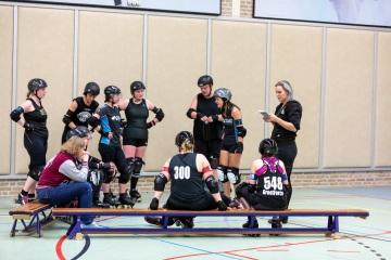 Thorsten-Lasrich-Arnhem-Fallen-Angels-Twente-vs-Mine-Monsters-Oberhausen-Zombie-Rollergirlz-11