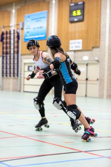 Thorsten-Lasrich-Arnhem-Fallen-Angels-Twente-vs-Mine-Monsters-Oberhausen-Zombie-Rollergirlz-19
