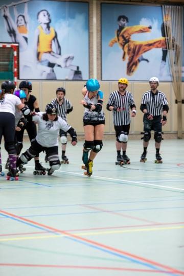Thorsten-Lasrich-Arnhem-Fallen-Angels-Twente-vs-Mine-Monsters-Oberhausen-Zombie-Rollergirlz-20