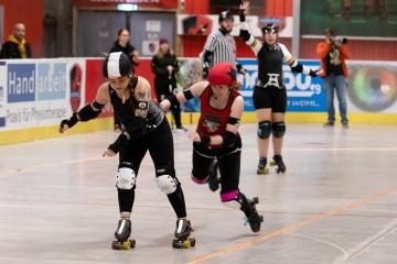 Thorsten-Lasrich-Ruhrpott-Rollergirls-vs-Sucker-Punch-Roller-Derby-100