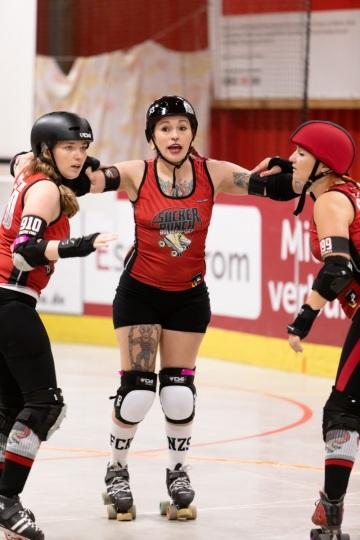 Thorsten-Lasrich-Ruhrpott-Rollergirls-vs-Sucker-Punch-Roller-Derby-118
