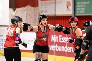 Thorsten-Lasrich-Ruhrpott-Rollergirls-vs-Sucker-Punch-Roller-Derby-119