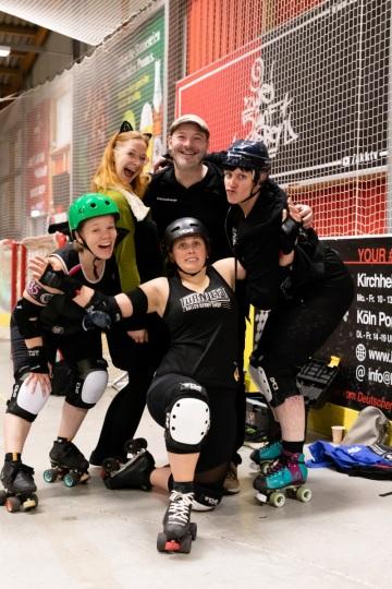 Thorsten-Lasrich-Ruhrpott-Rollergirls-vs-Sucker-Punch-Roller-Derby-152