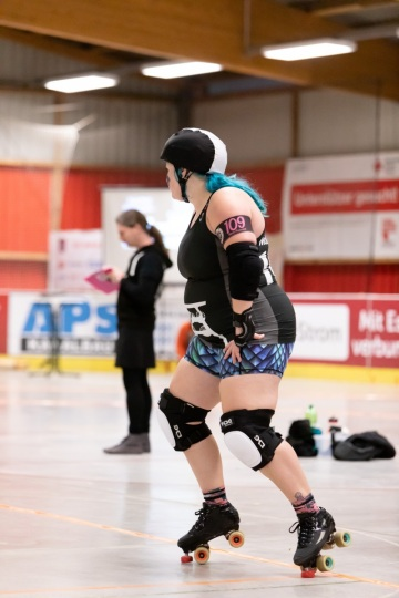 Thorsten-Lasrich-Ruhrpott-Rollergirls-vs-Sucker-Punch-Roller-Derby-18