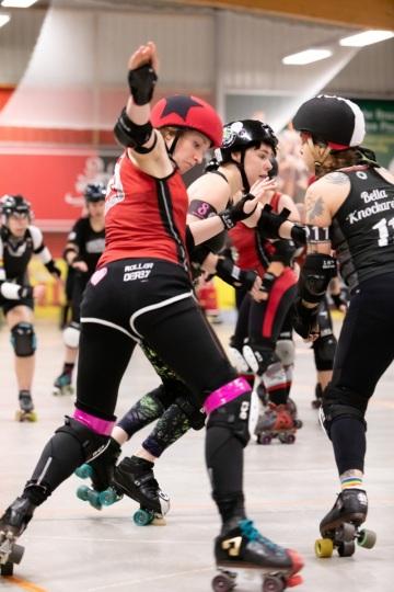 Thorsten-Lasrich-Ruhrpott-Rollergirls-vs-Sucker-Punch-Roller-Derby-22
