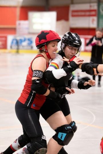 Thorsten-Lasrich-Ruhrpott-Rollergirls-vs-Sucker-Punch-Roller-Derby-29