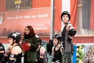 Thorsten-Lasrich-Ruhrpott-Rollergirls-vs-Sucker-Punch-Roller-Derby-34