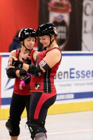 Thorsten-Lasrich-Ruhrpott-Rollergirls-vs-Sucker-Punch-Roller-Derby-40