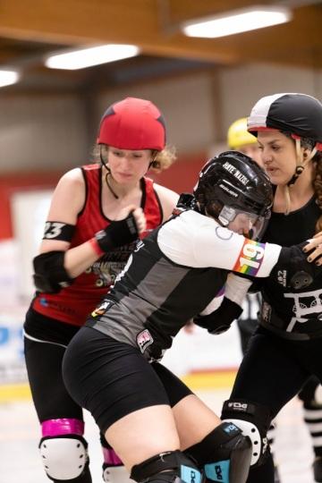 Thorsten-Lasrich-Ruhrpott-Rollergirls-vs-Sucker-Punch-Roller-Derby-59