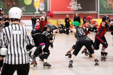 Thorsten-Lasrich-Ruhrpott-Rollergirls-vs-Sucker-Punch-Roller-Derby-62