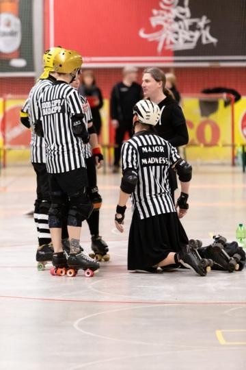 Thorsten-Lasrich-Ruhrpott-Rollergirls-vs-Sucker-Punch-Roller-Derby-98