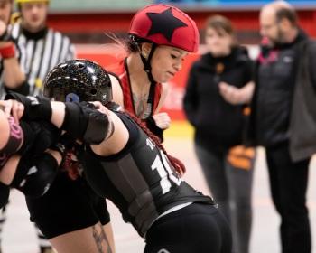 Thorsten-Lasrich-Ruhrpott-Rollergirls-vs-Sucker-Punch-Roller-Derby-24