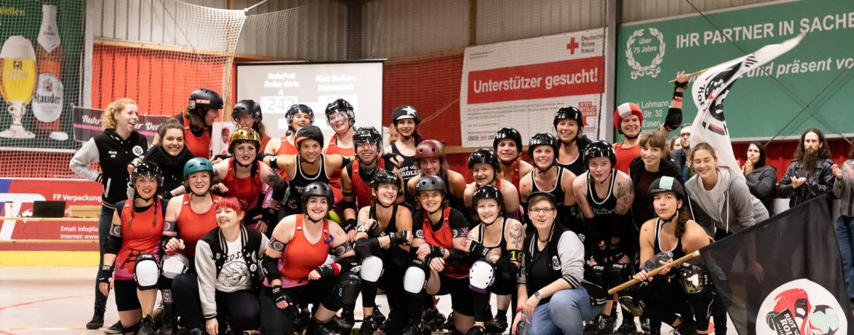 Gruppenbild RuhrPott Rollergirls A vs Riot Rollers Darmstadt