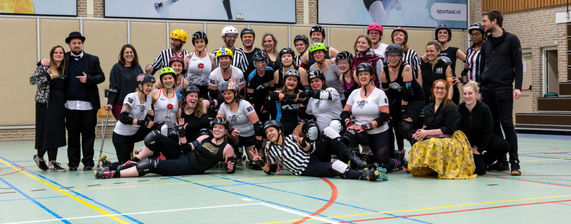 Gruppenfoto - Scrimmage Arnhem Fallen Angels vs Mine Monsters Oberhausen